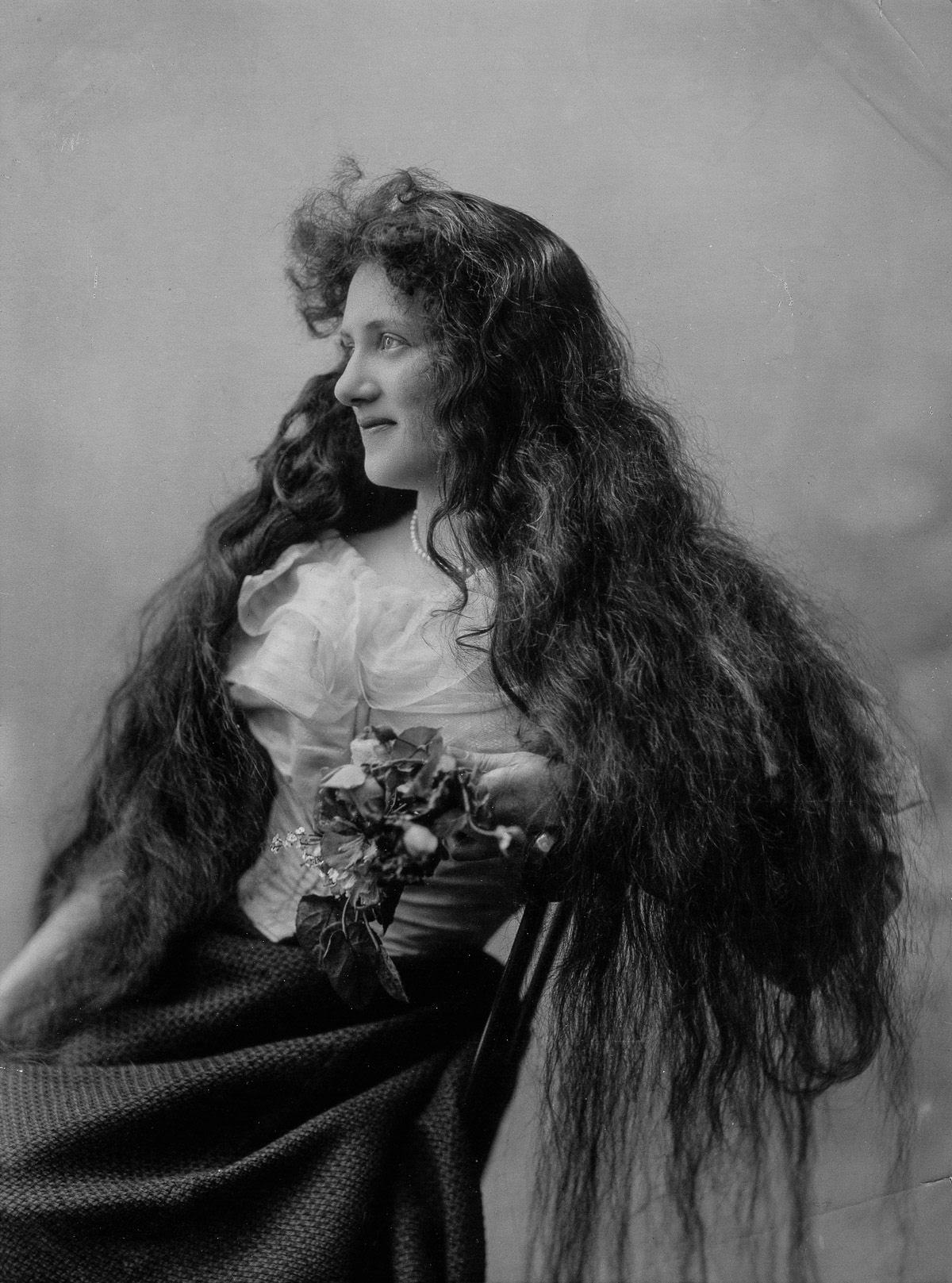 As mulheres vitorianas que nunca cortavam o cabelo 10