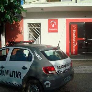 Terminal do Bradesco foi arrombado em Serra de São Bento (Foto: Renata Maria)