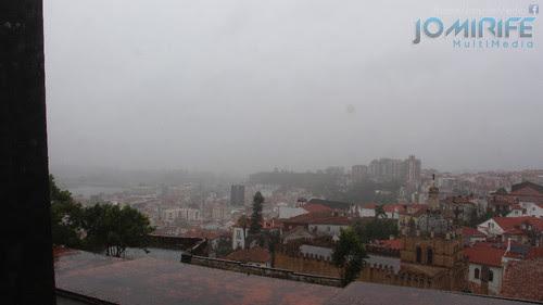 Dia de Chuva e nevoeiro em Coimbra visto da Universidade de Coimbra [en] Rain and fog day in Coimbra seen on the University of Coimbra