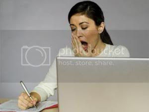 67120 wanita mengantuk thumb 300 225 Tips : Cara Hilangkan Rasa Mengantuk Di Tempat Kerja/Belajar