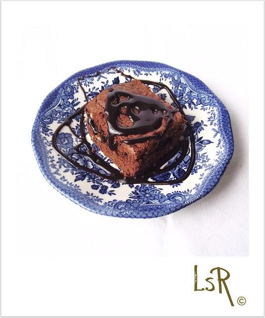 quadrotti di cioccolato fondente al peperoncino