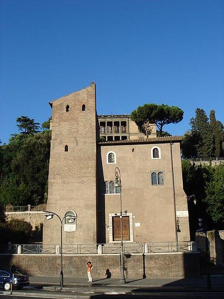 File:Campitelli - via del Teatro di Marcello - torre Pierleoni 00918.JPG