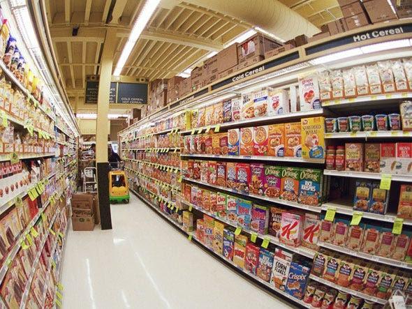 Τα στοιχεία του καταστήματος θέλει πραγματικά να αγοράζουν οι καταναλωτές είναι στο ύψος των ματιών.  Στο διάδρομο των δημητριακών, για παράδειγμα, των δημητριακών χύμα τοποθετείται στο κάτω μέρος.  Υγιείς δημητριακών τοποθετείται στην κορυφή.  Ακριβά δημητριακών επωνυμία πηγαίνει δεξιά στο ύψος των ματιών.  Ευνοούνται, επίσης, στοιχεία που τοποθετείται στο τέλος του κλίτη.