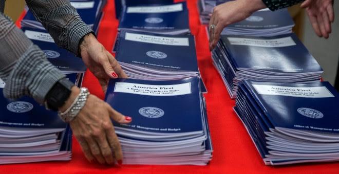 El texto remitido al Congreso por la Casa Blanca, para el ejercicio fiscal 2018, maneja unos recursos de 1,1 billones de dólares. REUTERS