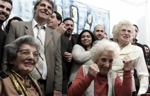 """Estela de Carlotto: """"Bienvenida nieta 117, y por muchos más"""""""