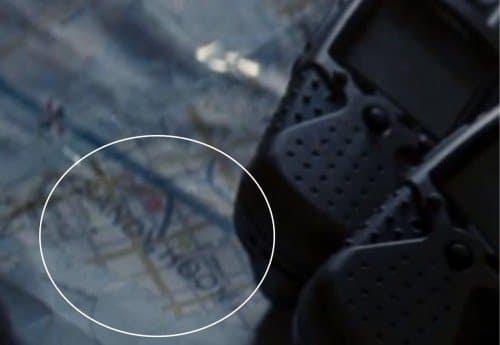 """As palavras """"Sandy Hook"""" que aparece em um mapa durante a The Dark Knight Rises."""