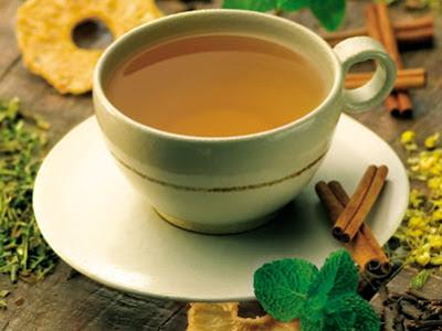Conheça alguns chás que ajudam a queimar gorduras