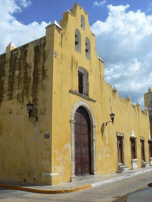 vieille église Campeche.jpg