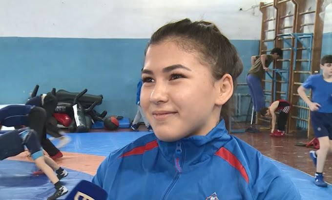 Астраханка завоевала золото на первенстве ЮФО по вольной борьбе