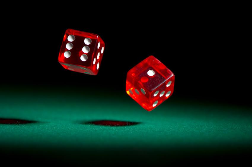 agen judi casino online gratis bonus: Rajaqq online