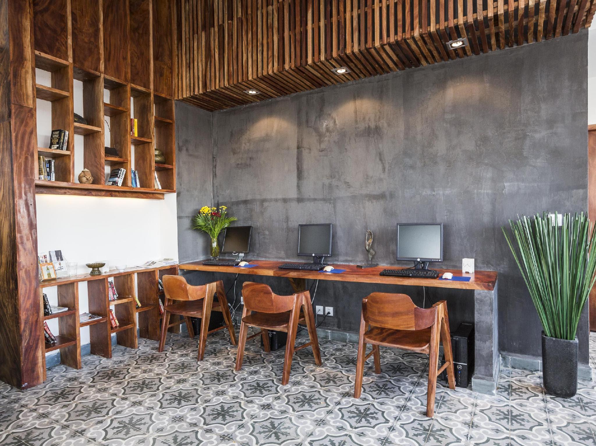 Review Patio Hotel & Urban Resort