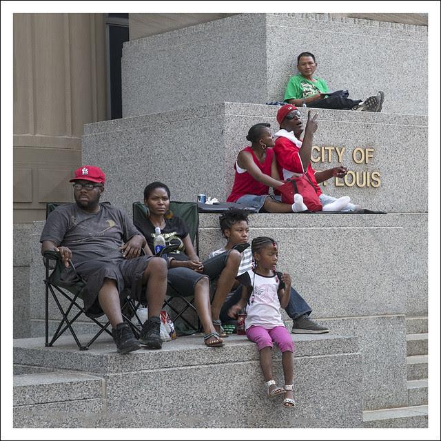 Annie Malone Parade 2012-05-20 4 (Spectators)