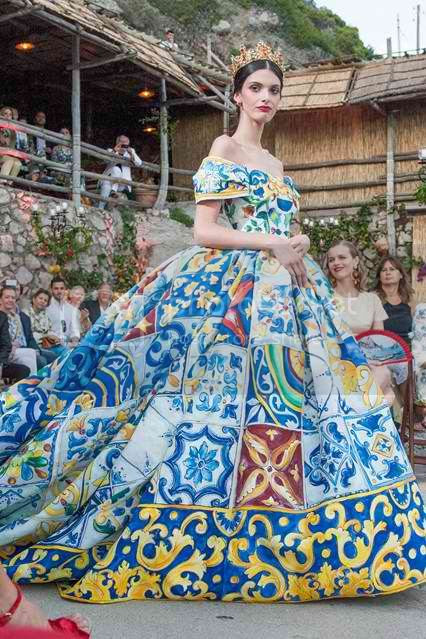 Dolce & Gabbana Alta Moda Show in Capri photo dolce-gabbana-alta-moda-couture-fall-2014-02_zpsb1c0a212.jpg
