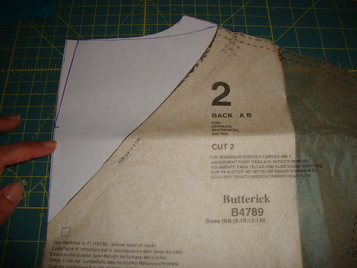 B4789:  changing the back V to a rounded neckline