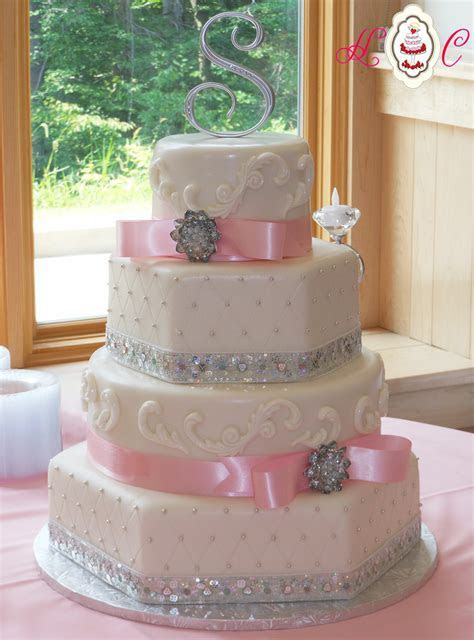Serving Parkersburg Wedding Cakes   Heavenly Confections