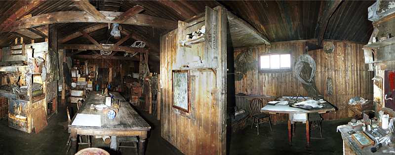 File:Terra nova hut inside.jpg