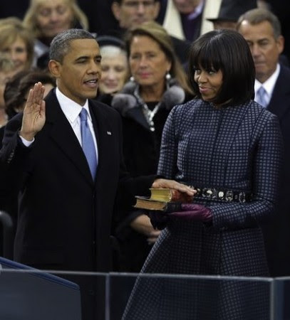 http://www.bible-reflections.net/image/full/2091/obamas-inaugural-bibles.jpg