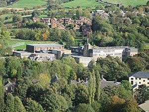 Saddleworth School Uppermill - geograph.org.uk...