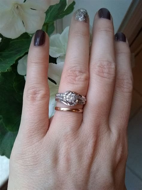 Different color metal for engagement ring versus wedding band?