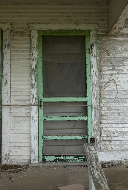 old chippy screen door