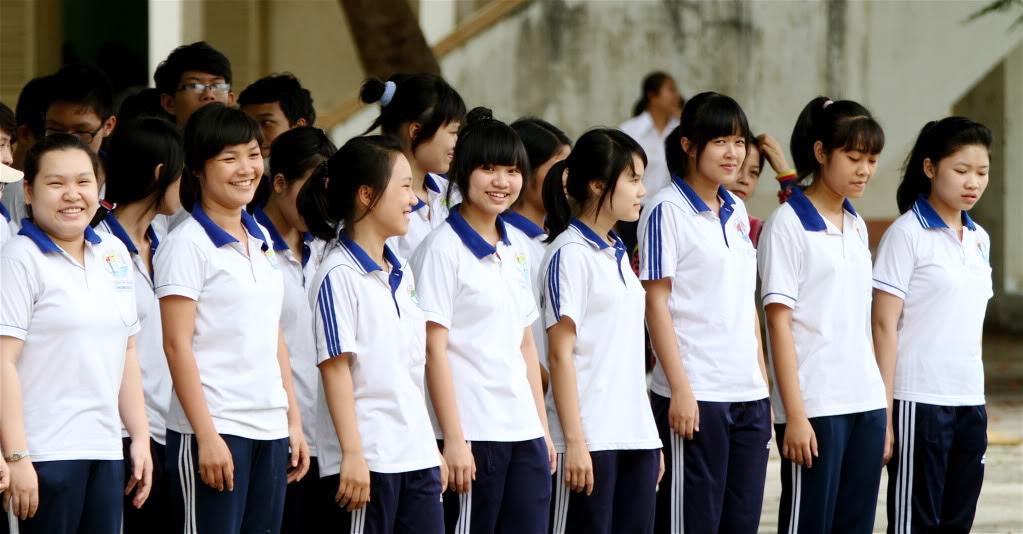 Các tìm kiếm liên quan đến đồng phục thể dục cho sinh viên