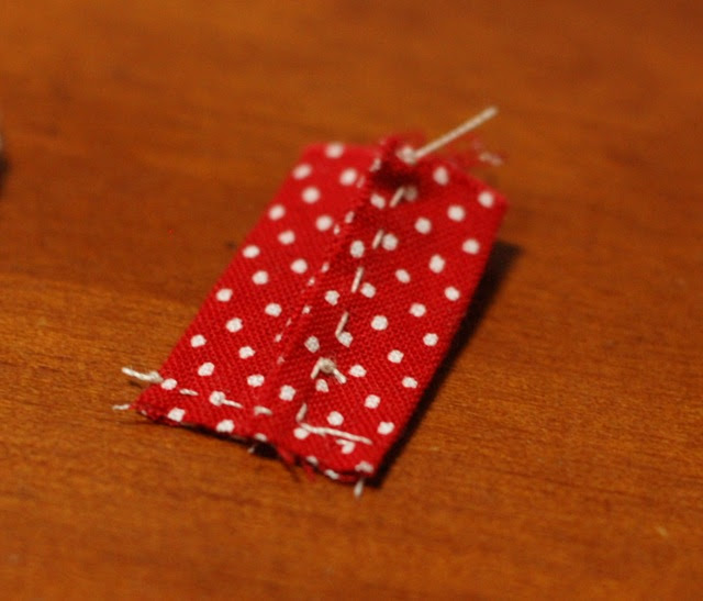 How to make a button pouch with two pockets 23