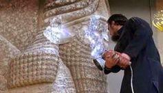 """NO UNA NEUTRALIDAD SINO NEUTRONES// Primero fueron aquellos dos colosos imágenes del Buda en la montaña tallados en la roca cual esfinges erguidas a los siglos sonriendo. Después fueron las torres erigidas por """"el infiel"""" que así lanzaba un reto —orgullo digno de pagar con sangre— de acero y de cristal hacia lo alto. Cultura adelantada es la que presta a la violencia antigua el instrumento y reta con futuro…—> http://albertotroconiz.blogspot.com.es/2015/03/no-una-neutralidad-sino-neutrones.html"""