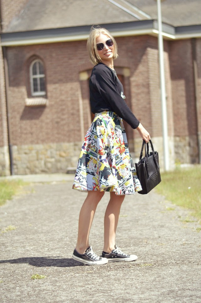 front row shop comic pop art roy lichtenstein midi skirt twice as nice mickey mouse disney necklace converse all star asos baseball top yves rocher sunglasses zara tot bag celine inspired. outfit post fashion blogger turn it inside out belgium