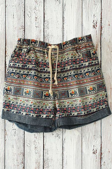 ☆ http://www.zaful.com/tiny-floral-elephant-print-shorts-p_84099.html ☆ https://es.pinterest.com/iolandapujol/pins/ ☆ @iola_pujol/