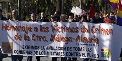 Marcha para conmemorar la huida por la carretera de Almería. | ELMUNDO.es