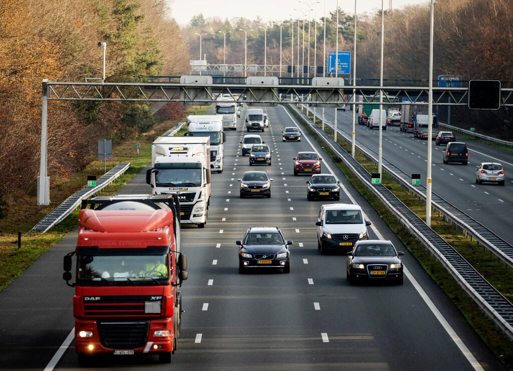 Kabinet stelt 'trucktol' vast op gemiddeld 15 cent per kilometer