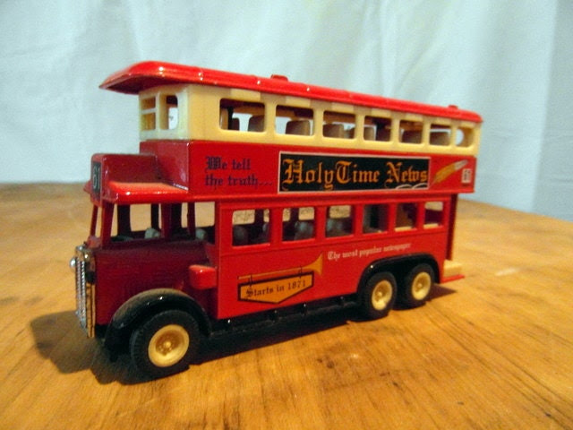 frenchvintagedream united kingtom plastic bus toy