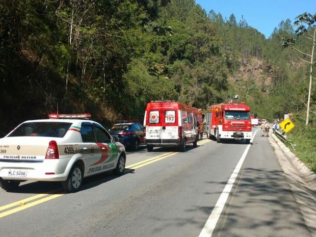 Acidente aconteceu no km 45 da BR-282 em Águas Mornas (Foto: Bruno Mauri/RBS TV)
