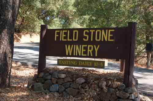 2fieldstone-winery.jpg