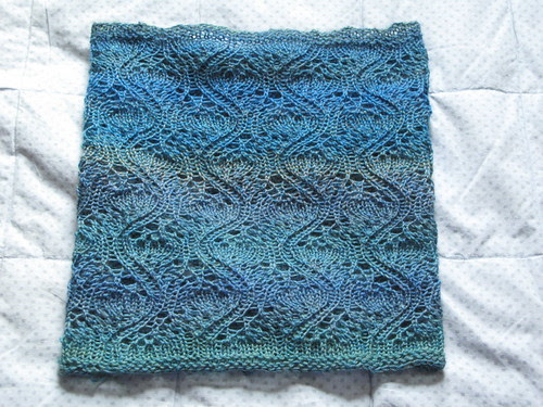 Wavy Feathers Cowl