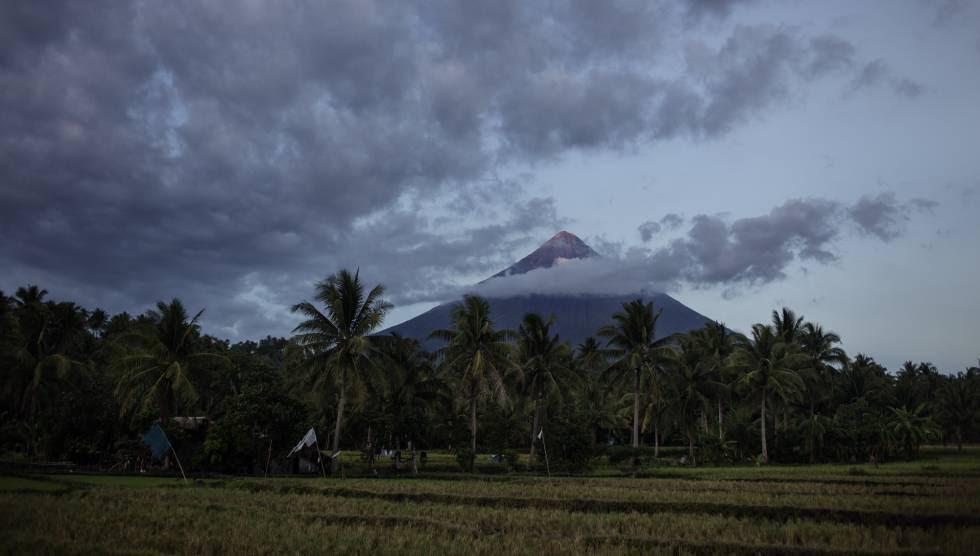 El majestuoso volcán Mayón es una de las muchas amenazas naturales de la provincia de Albay.
