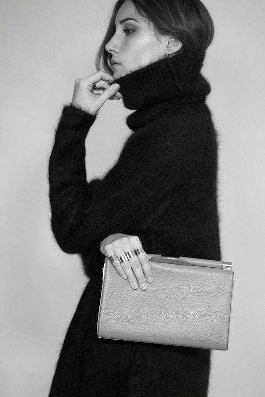LE FASHION BLOG GIORGIA TORDINI TYLER ALEXANDRA SS 2014 LOOKBOOK LUXE BAG COLLECTION ITALIAN BEAUTY CLASSIC MINIMAL STYLE INSPIRATION TUCKED IN HAIR FUZZY TURTLENECK SWEATER KNIT CLEAN MINIMAL RINGS EVERY FINGER JAMIE LEATHER CLUTCH BAG 1 photo LEFASHIONBLOGGIORGIATORDINITYLERALEXANDRASS2014LOOKBOOK1.jpeg