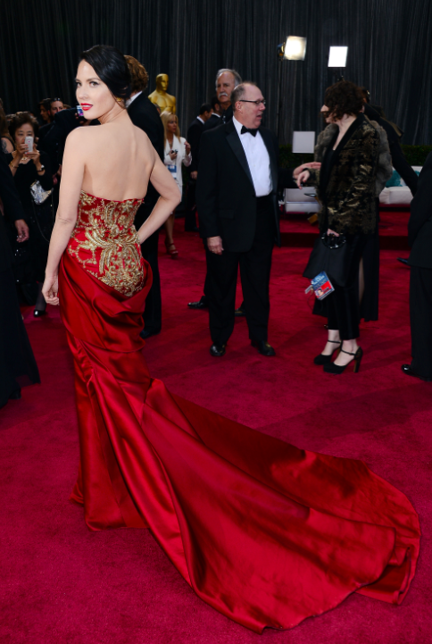 photo worst-the-embroidery-on-olivia-munns-marchesa-dress-was-beautiful-but-the-back-draping-hit-in-an-awkward-spotjpg_zpsf56f4fa9.png