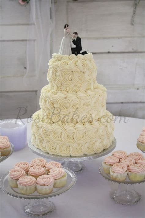 Ivory Roses Wedding Cake and Pale Pink Roses Cupcakes