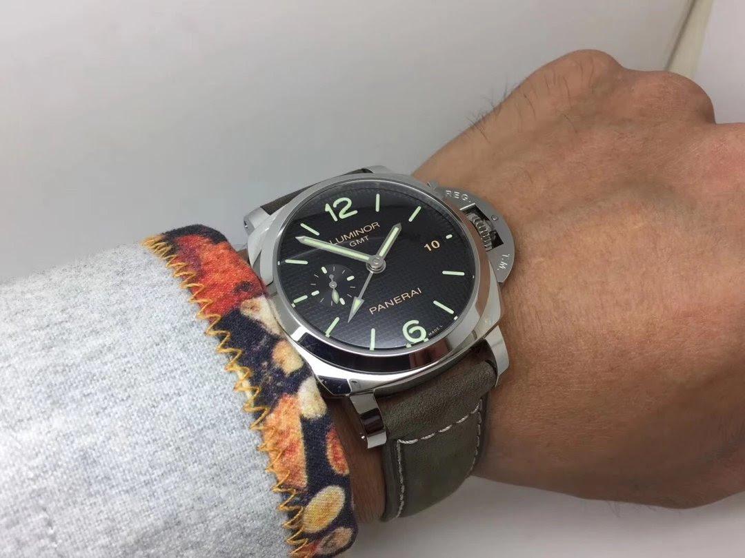 PAM 535 Wrist Shot