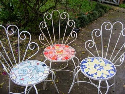 http://earthmaid.blogspot.ca/2011/08/mosaic-seats-for-garden-chairs.html
