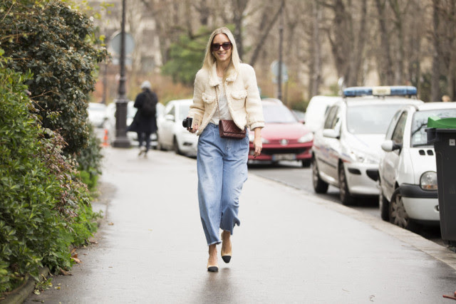 cropped mom jeans-two tone block heels-paris couture fashion week-