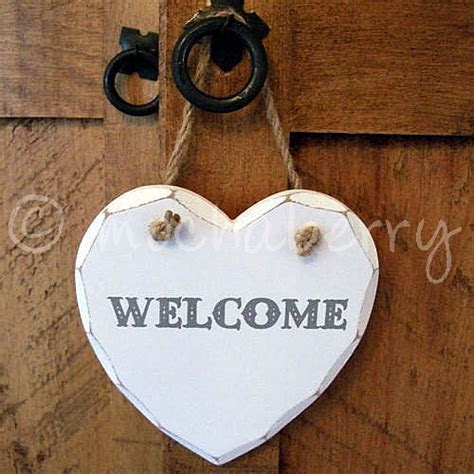 'WELCOME' Wooden Heart   Wooden Heart Plaques   Welcome