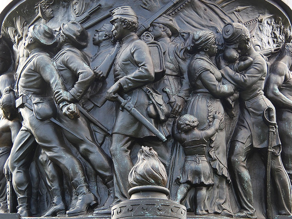 http://cdn.theatlantic.com/assets/media/img/mt/2015/06/Confederate_Monument/lead_960.jpg?1435035143