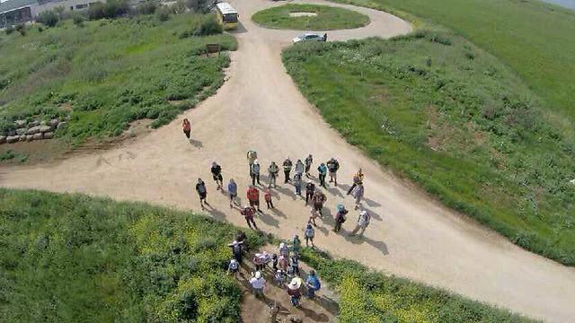 Trekking on election day in Tel Aviv (Photo: JNF)