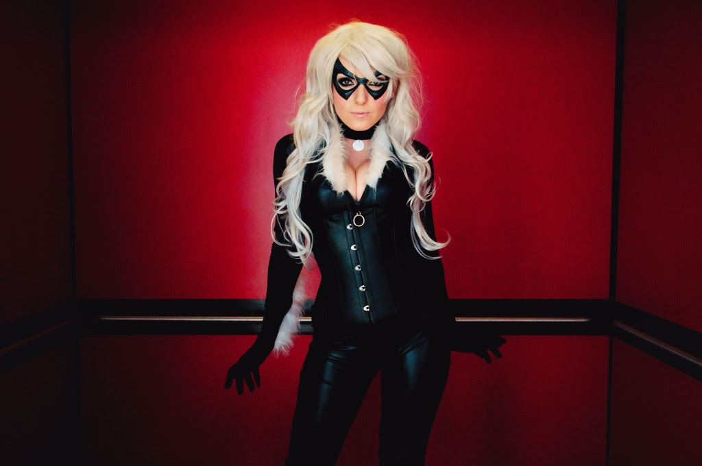 http://creative-ads.org/wp-content/uploads/2013/12/jessica-nigri-black-cat-1024x680.jpg