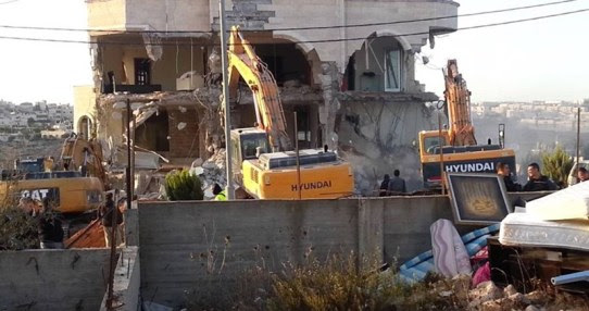 destroying palestinian homes