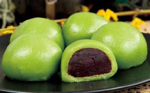 Sweet green rice ball