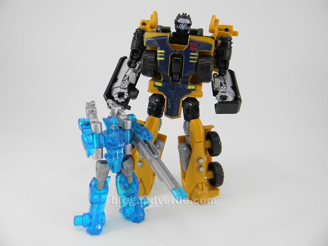 Transformers Huffer Power Core Combiners - modo robot con Caliburst