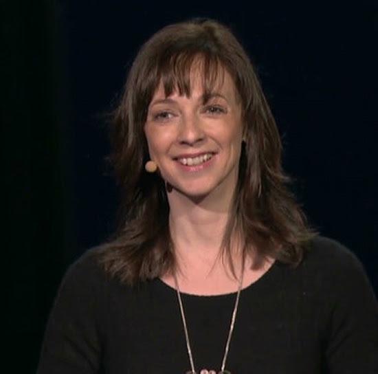 """A escritora Susan Cain, autora de """"O Poder dos Quietos"""", na conferência TED2012, em Long Beach, nos EUA"""